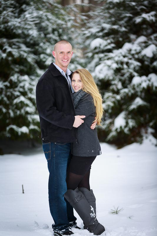 Snowy engagement photos at Look Park Northampton,