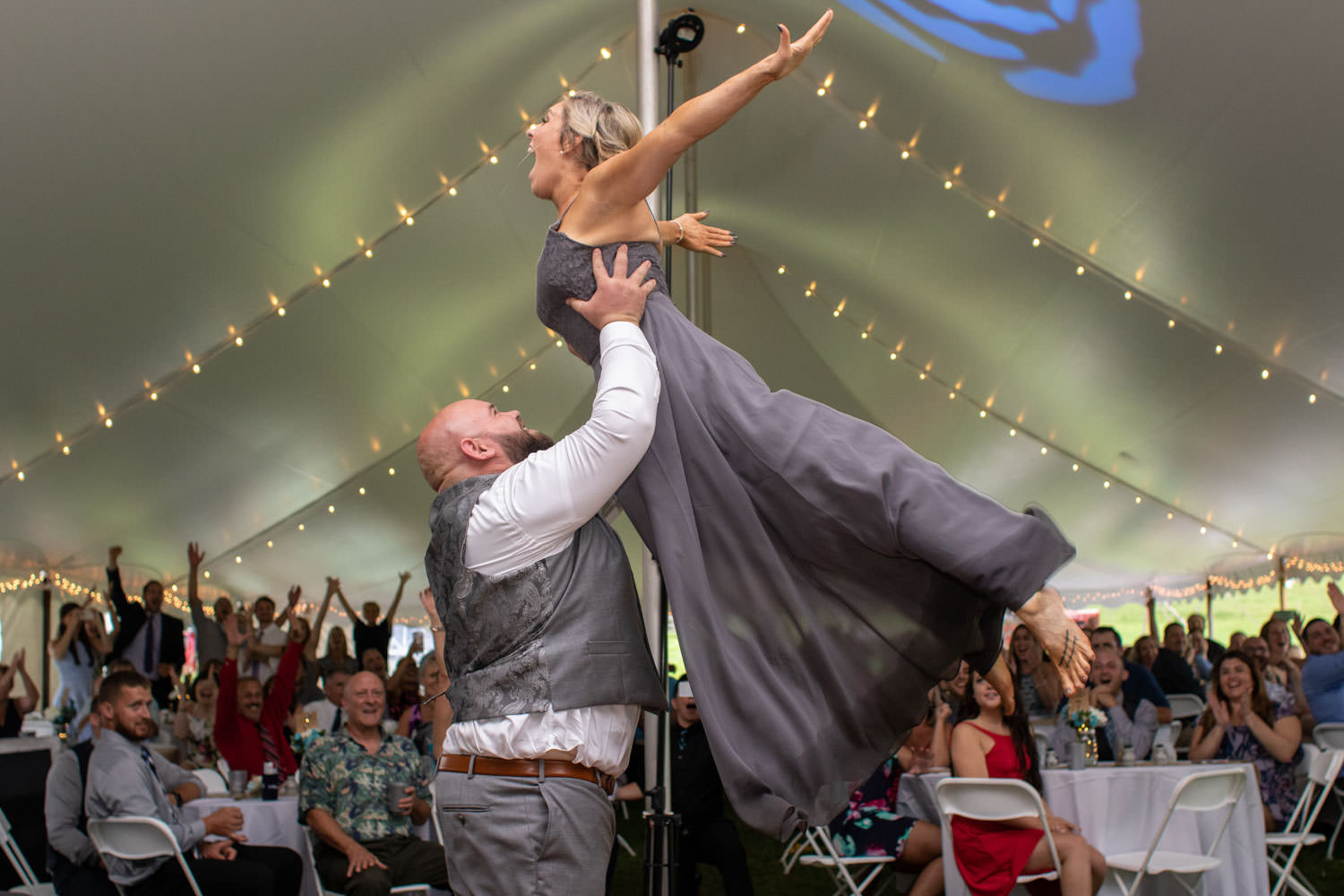 Bridesmaid and Groomsman copy dirty dancing lift during introduction