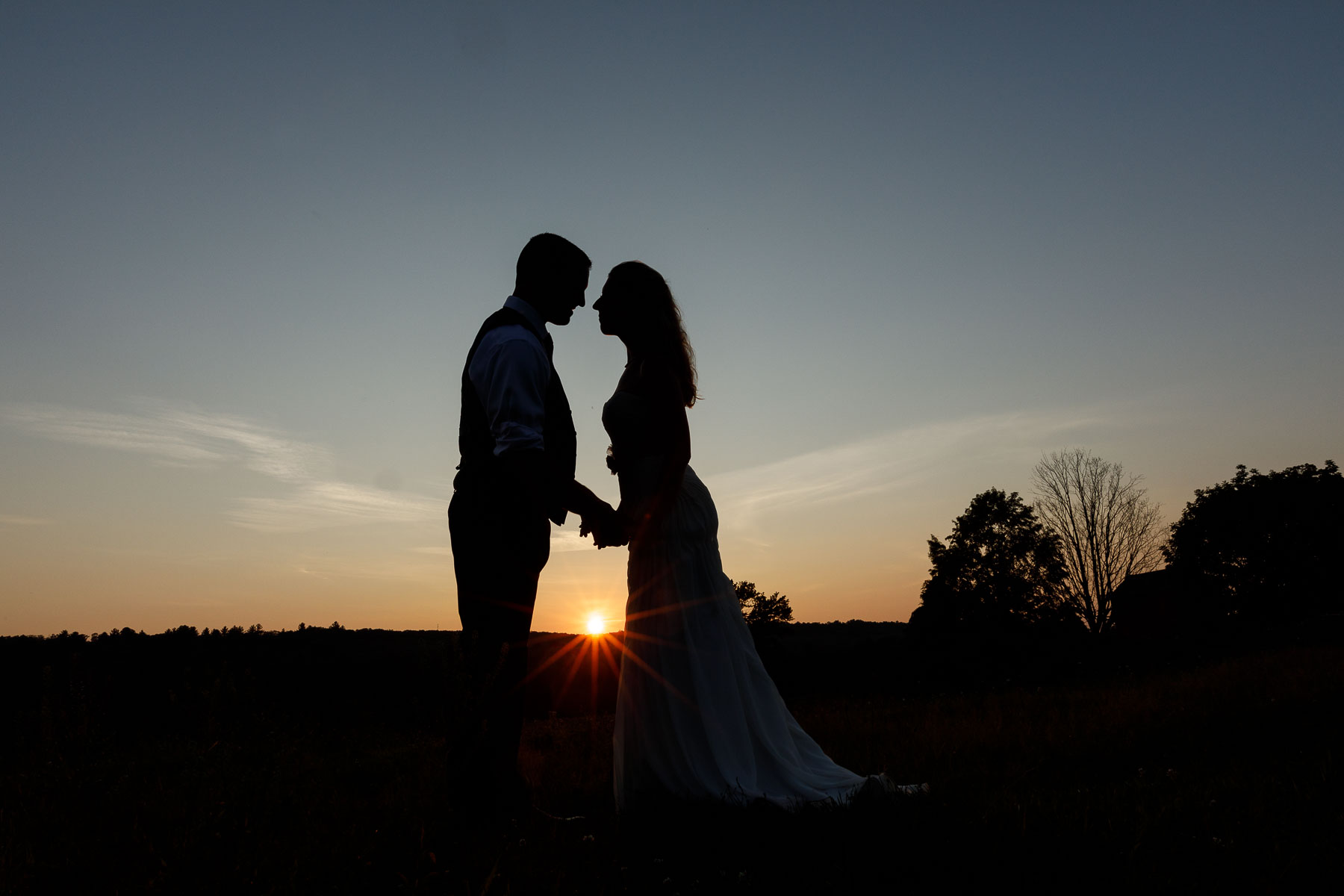 Salem Cross inn Wedding bride and groom sunset photo