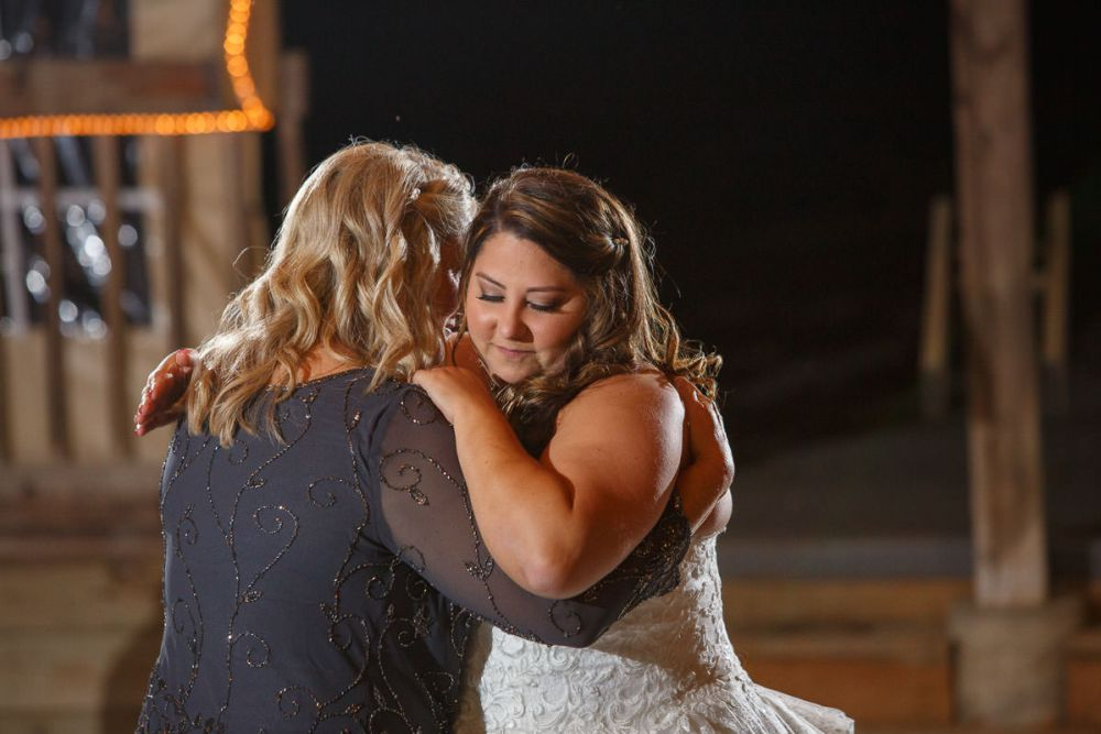 Mother daughter first dance