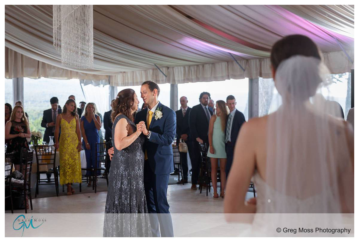 Wedding photography at the Mountain Rose Inn